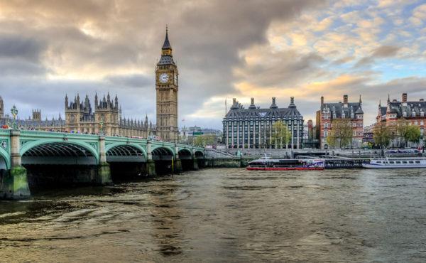 Reino Unido exige cuarentena y pruebas PCR