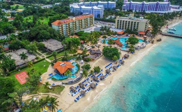 Sandals planea abrir nuevos hoteles en Jamaica