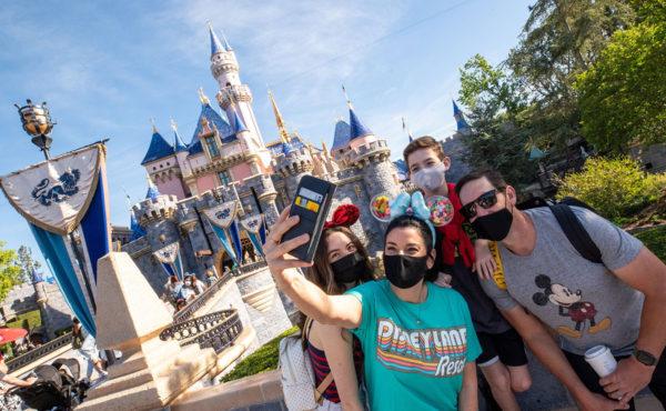 Parques de Disney reabren sus puertas al público